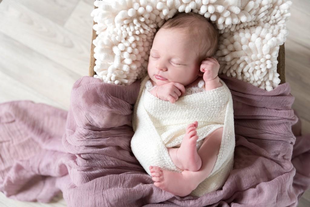 Séance photo nouveau né bébé : Romy – Seine et marne et Oise