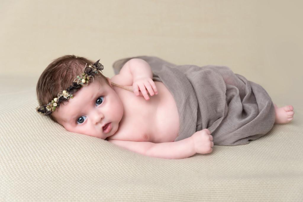 Photographe séance photo studio bébé 11