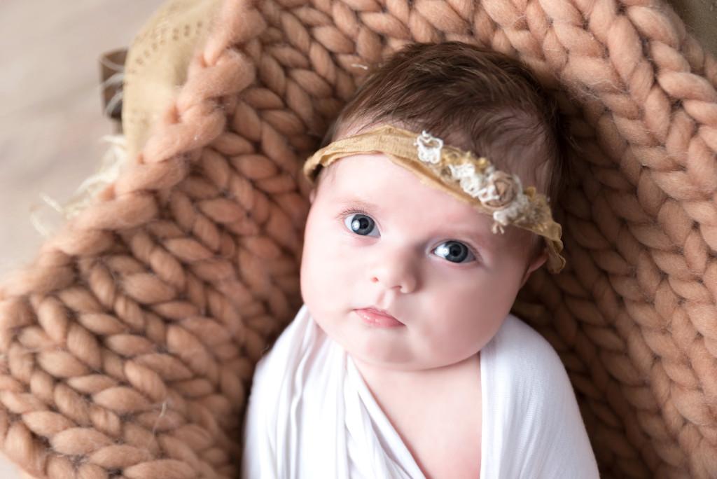 Photographe séance photo studio bébé 1