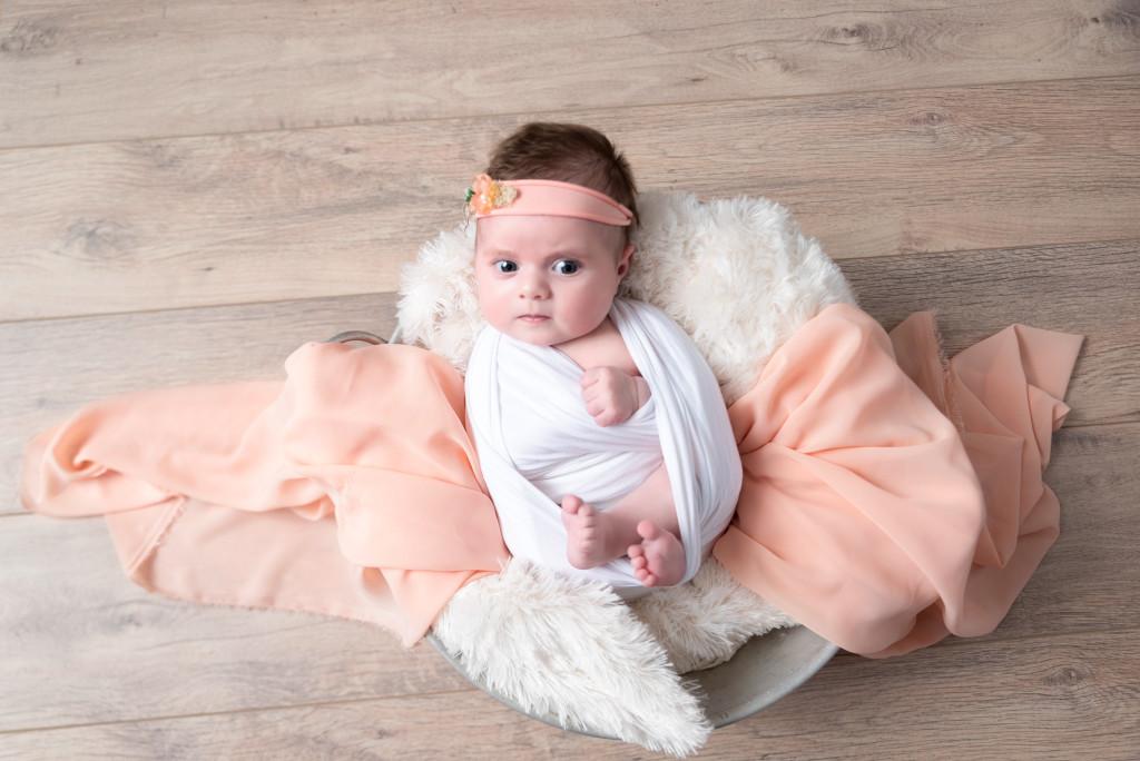 Photographe séance photo studio bébé 2